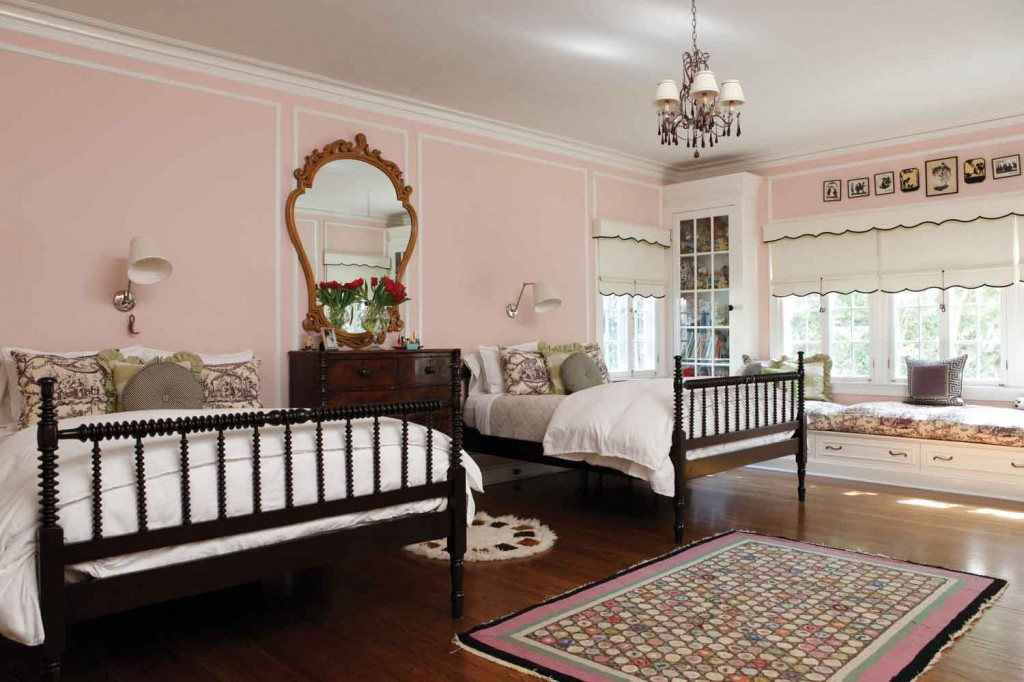 Romantic Pink Bedroom Decoration