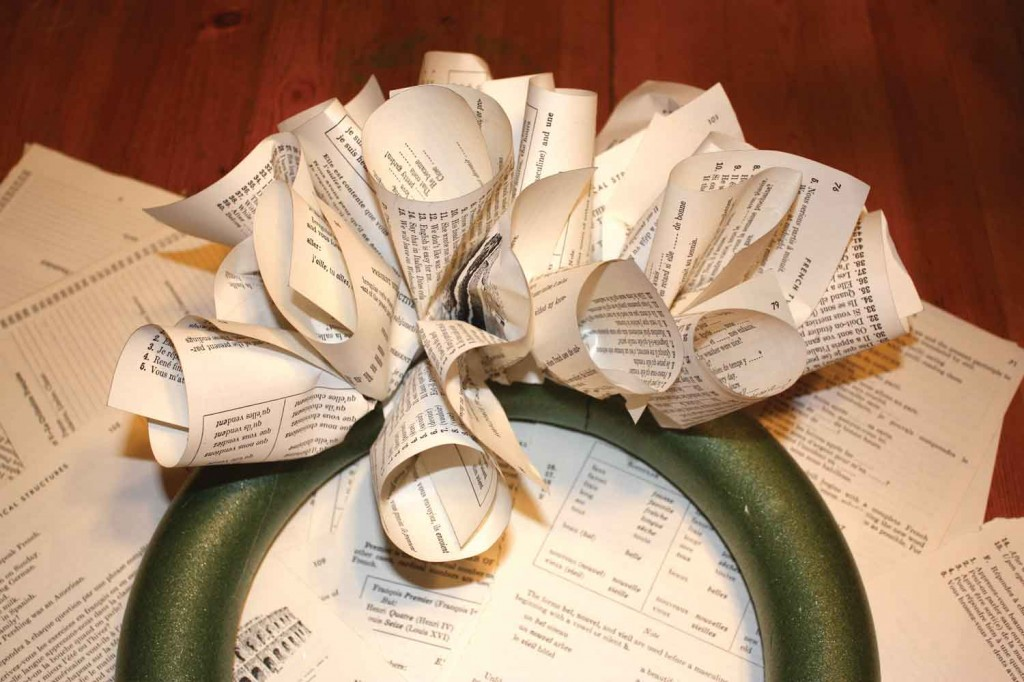 French Book Paper Wreath Creation Step 3,4,5