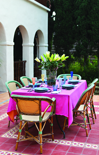 outdoor table decor