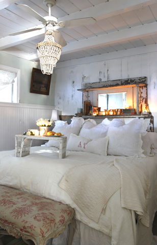 Urban Farmhouse Bedroom Decor