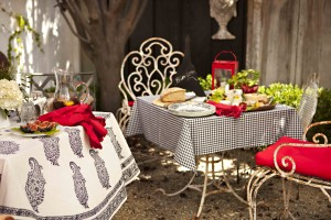 As with everything French, appearance and a touch of romance can enhance both food and atmosphere.