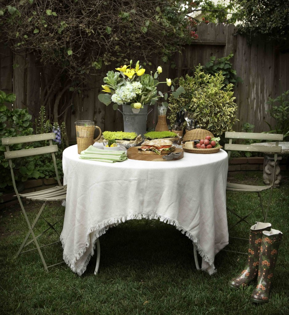 English Romantic Tea Table