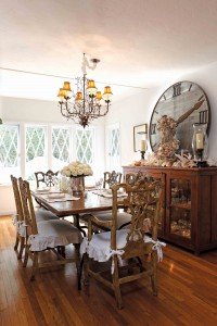 Romantic Space Dining Room