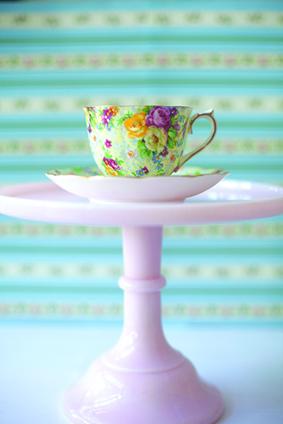 chintz-pink-pedestal