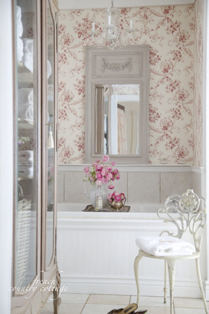 Get inspired online french country bathroom ideas for Country bathroom ideas