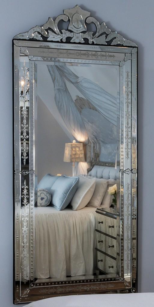 Princess-Style Bedroom Design Photo 4