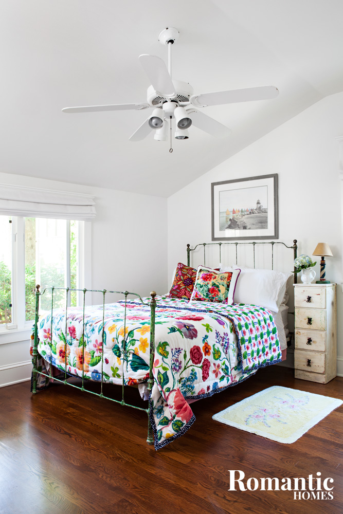 cottage-bedroom-bright-floral