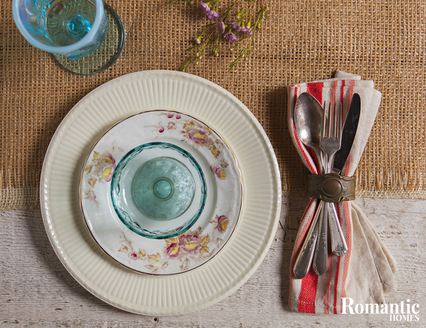 Upcycled Style: tablesetting with blue depression glass and mismatched plates
