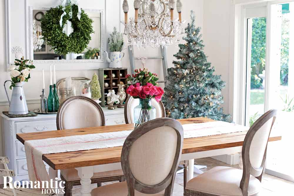 Shabby French Christmas table video tour