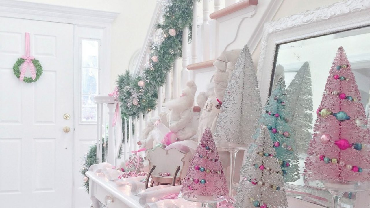 Merry And Pink A Very Vintage Christmas Romantic Homes