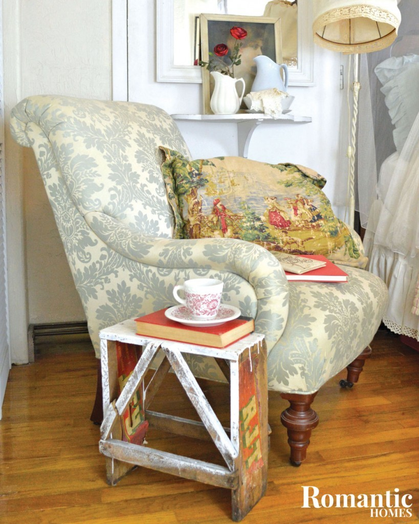 RH_bedroom_upholsteredchair