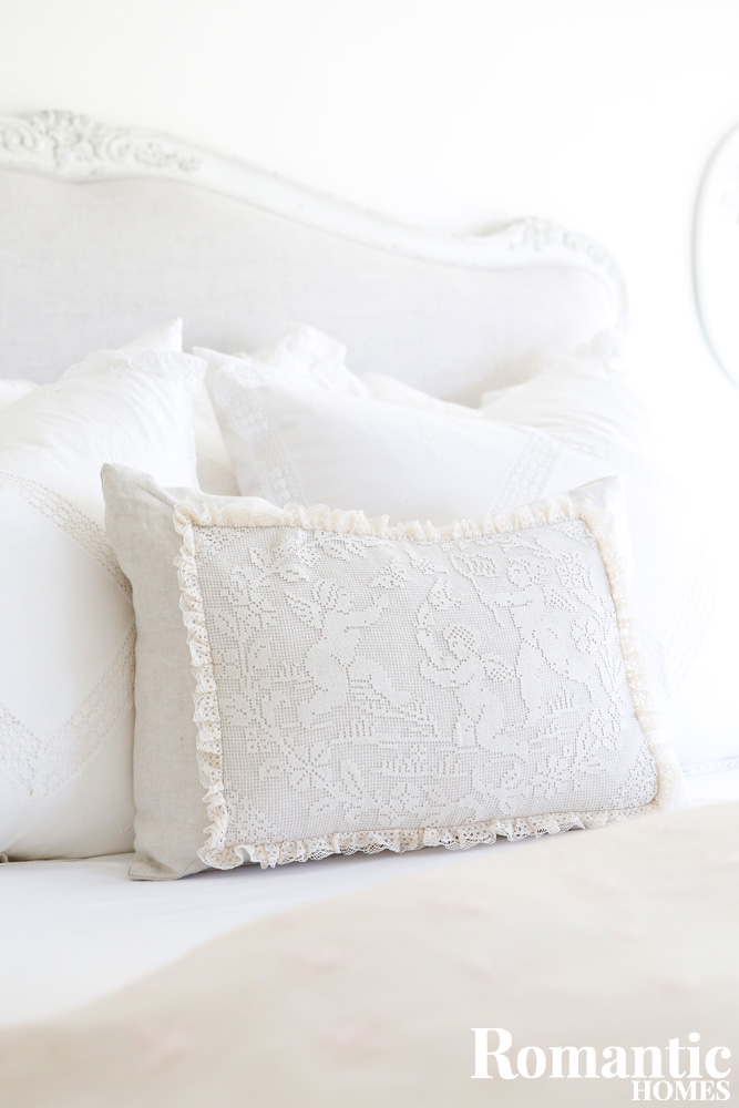 Filet crochet lace pillow with angels
