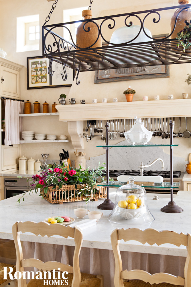 french_kitchen_elegant