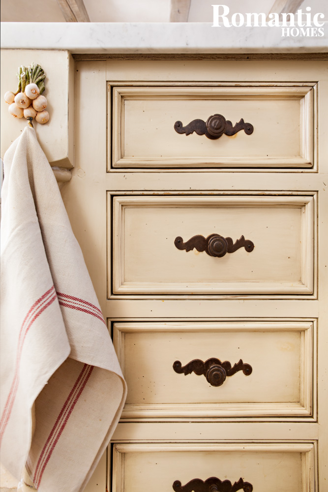 french_kitchen_woodwork