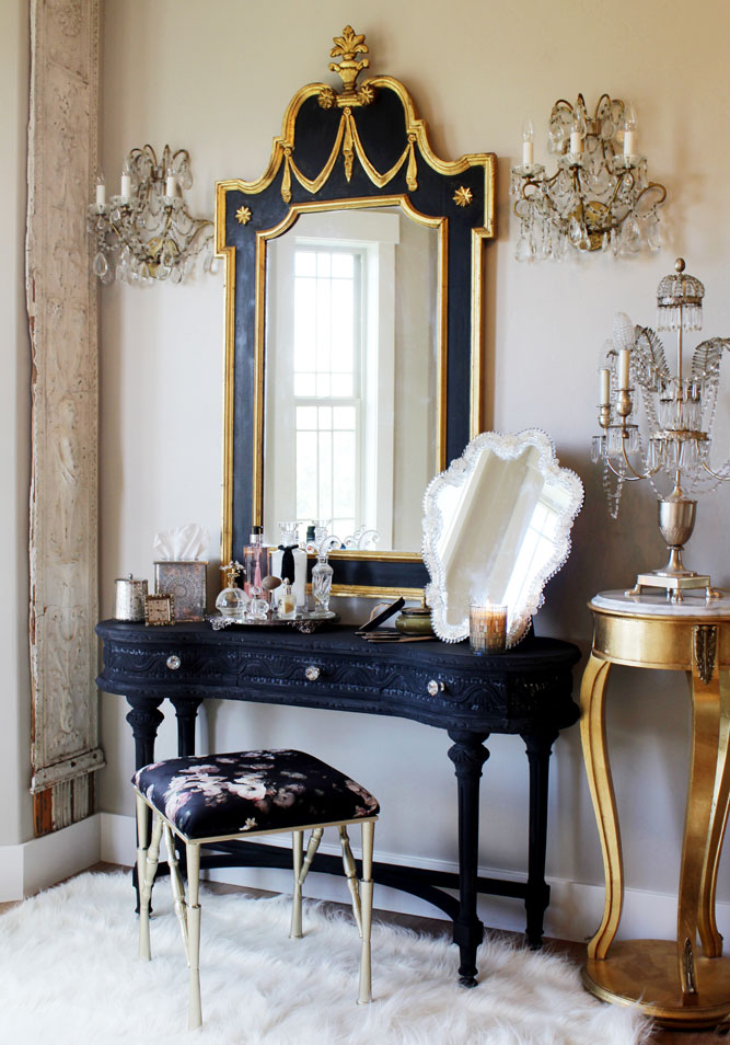 Antique mirrored trays keep Alys' vanity looking organized and pretty. Inside, plastic dividers keep makeup tidy and are easy to pull out and throw in the dishwasher.