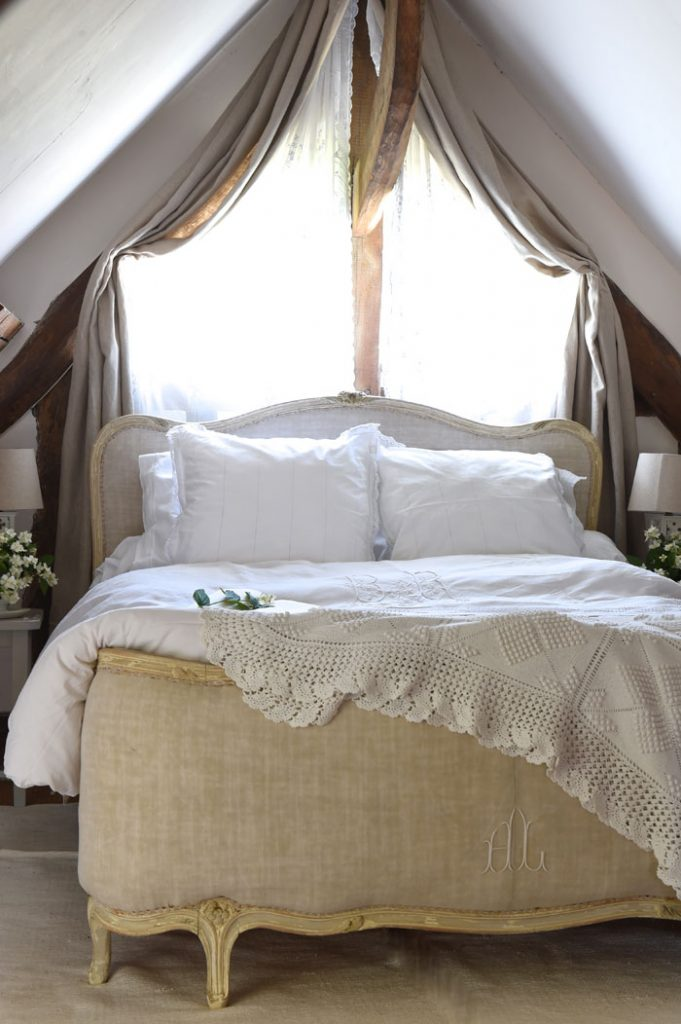 French linen bed