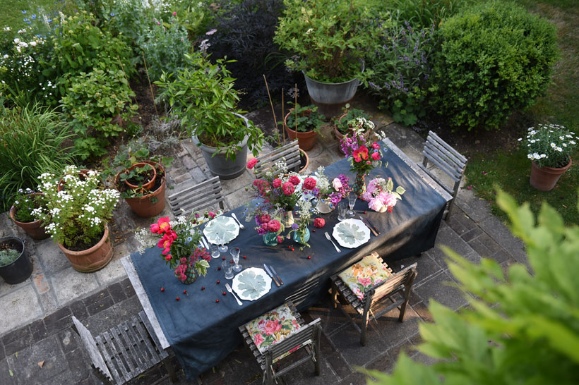 Outdoor entertaining in Sharon Santoni's lush garden.