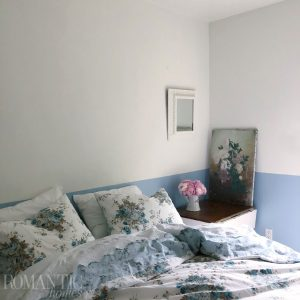 Rachel Ashwell's blue and white guest bedroom
