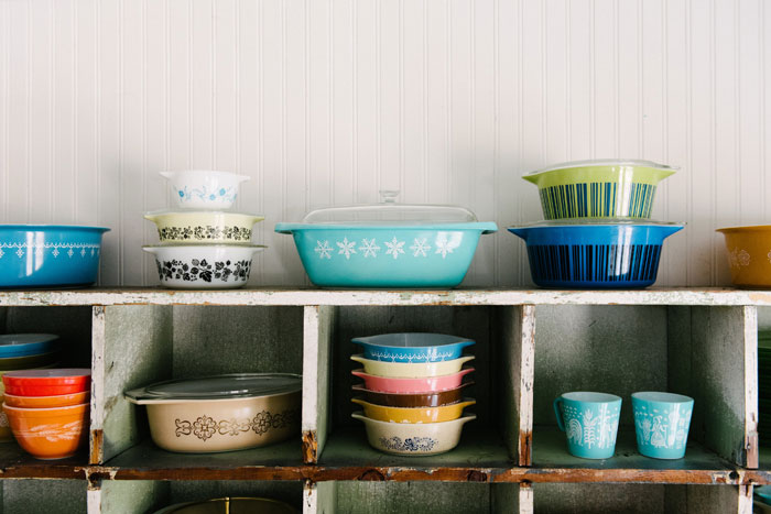 Sturdy, practical and pretty, vintage Pyrex has survived from one generation of home cooks to the next. #romantichomes
