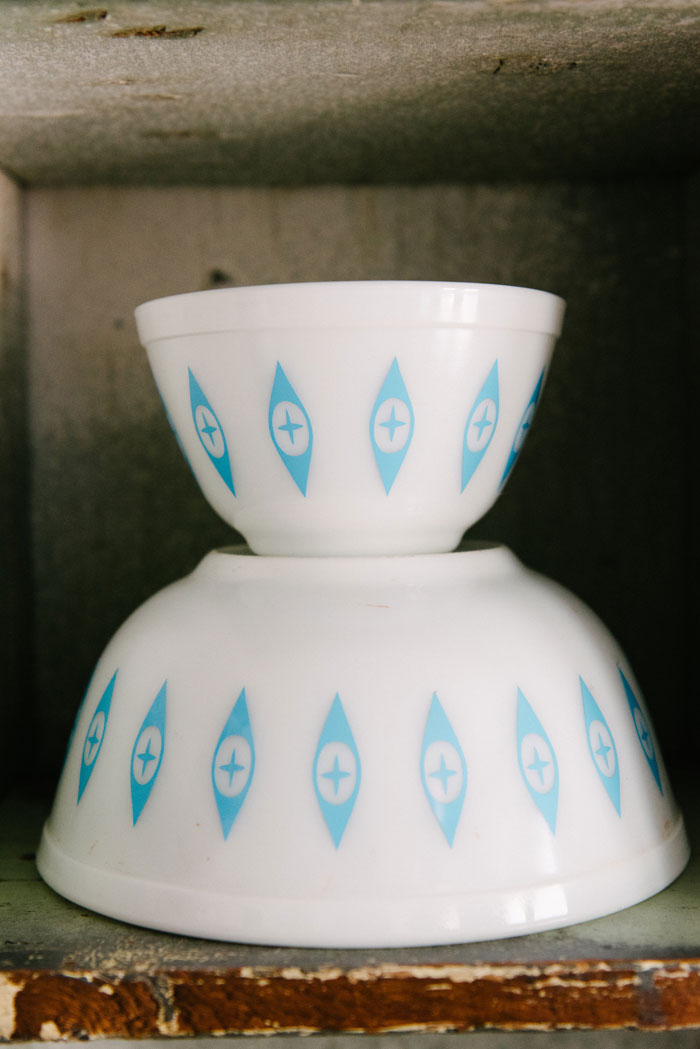 "When official pattern names fall form memory or don't quite catch on, collectors will step in with ready substitutes. This pattern is now known as ""Atomic Eyes"" for it's Midcentury Modern aesthetic. These two bowls would have originally been part of a chip and dip stand set. #romantichomes"