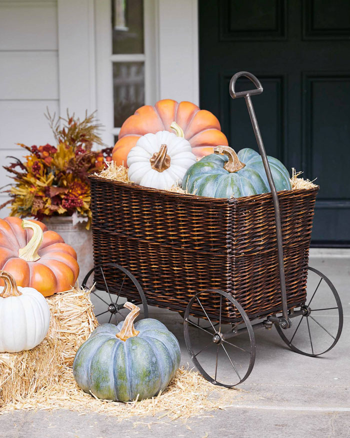 Create Cozy Feelings with Fall Farmhouse Decor