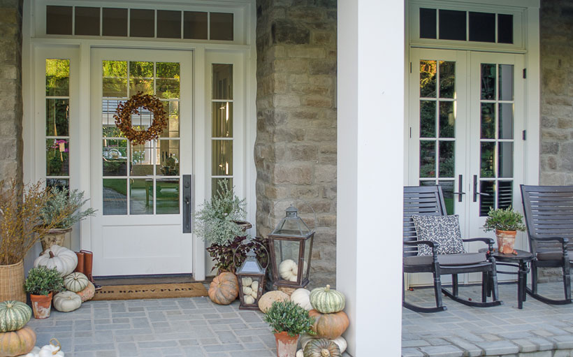 Karen Snyder's fall front porch is simple, cozy and welcoming.