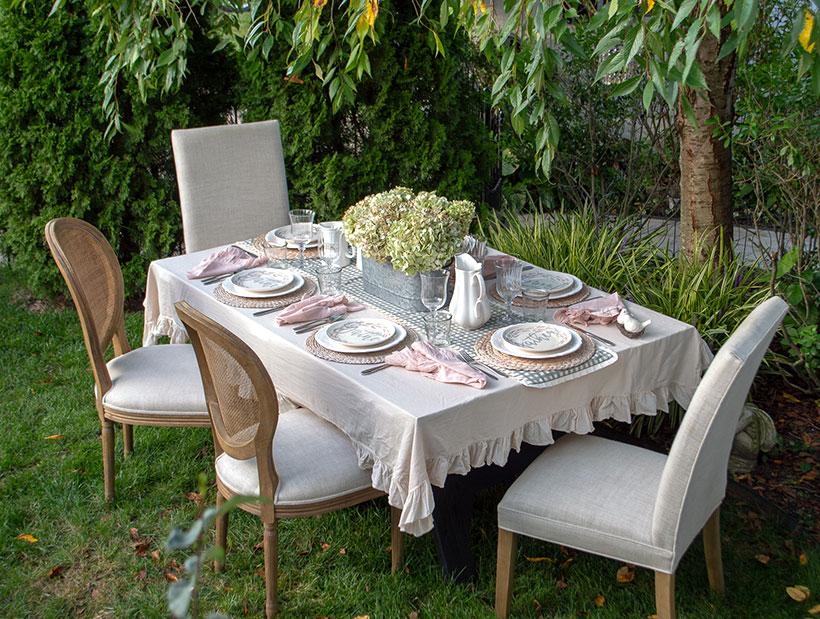 Rustic and romantic fall farmhouse table decor