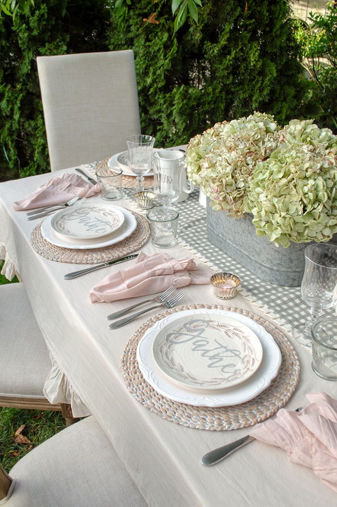 Hydrangeas are among our favorite fall florals. These blooms are perfect for a romantic fall farmhouse table.