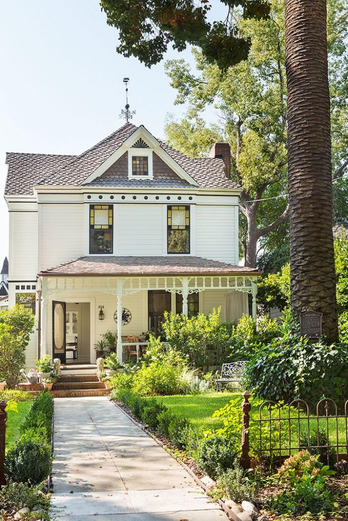 Victorian Era Home in Pasadena