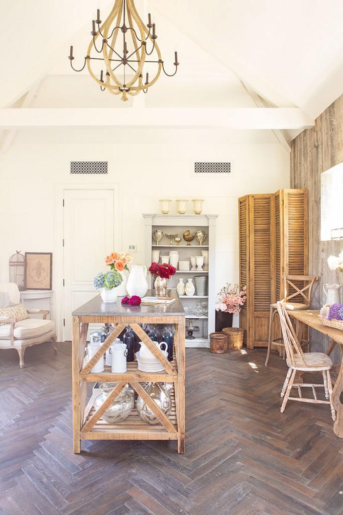 A rustic elegant floral studio